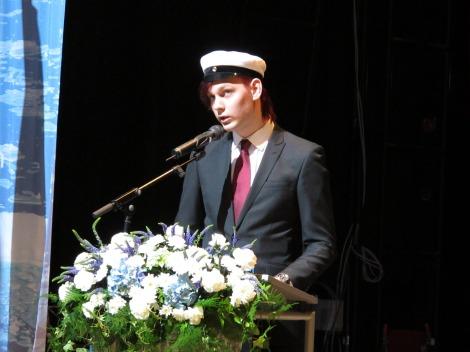 Jukka Saini piti ylioppilaan puheen. Kuva Heli Toivonen.