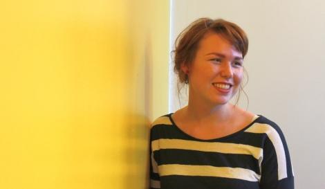 Laura en jännitä toukokuussa alkavia finalseja eli IB-ylioppilaskokeita. Kuva: Antti Pentikäinen.