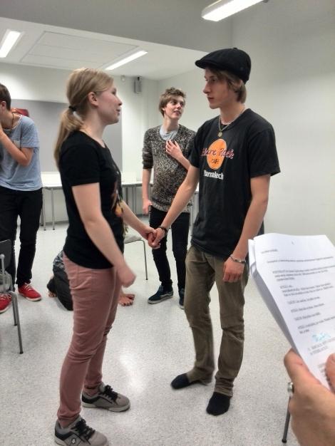 Petra Ekroos ja Olli Talsi näyttelevät musikaalin keskeisissä rooleissa. Kuva on harjoituksista. Kuva Rebecca Hopkins.