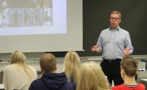 Mikko Kortelainen kertoi, kuinka presidentin taustajoukot toimivat.