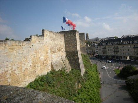 Chateâu de Caen on linna Caenin keskustassa. Kuva: Inka Ylinen.