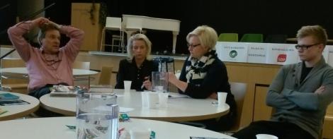 Kimmo Kiljunen, Pia Kauma, Päivi Storgård ja Tom Himanen Eu-vaalitilaisuudessa Espoon Saunalahdessa. Kuva: Camilla Lepistö.