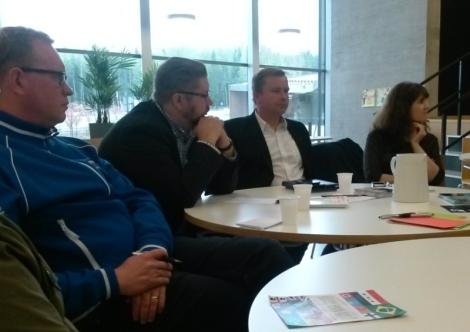 Lähikontaktiin pääsi muun muassa  Ilkka Matinpalon, Heikki Patomäen, Antti Kaikkosen ja Johanna Sumuvuoren kanssa, Kuva: Camilla Lepistö.