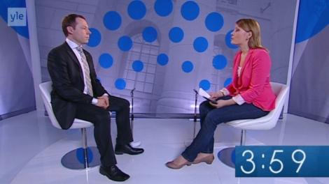 Jan Edelmann Ylen vaaligallerian haastattelussa. Kuva on ruutukaappaus Ylen nettisivulta.