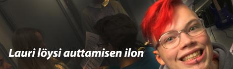 Lauri Kuusisto kertoi työöstään vastaanottokeskuksessa. Kuva: Antti Pentikäinen.